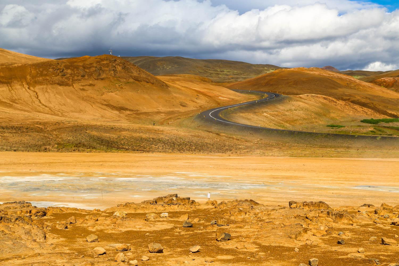 Äänestä paras kuva ja voita pala Islantia