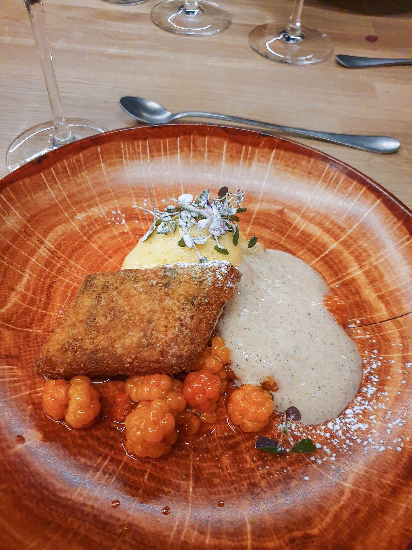 Jälkiruoka leipäjuusto hotelli Iso-Syöte