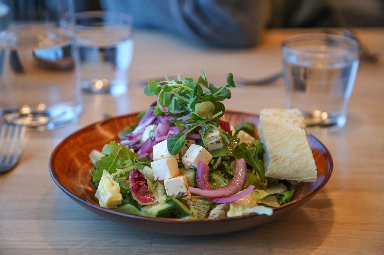 Fetasalaatti ravintola Hilltop